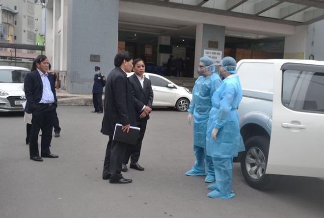 Hai bác sỹ và một lái xe của Hà Nội lên Vĩnh Phúc học kinh nghiệm chống dịch Covid-19 - Ảnh 1.