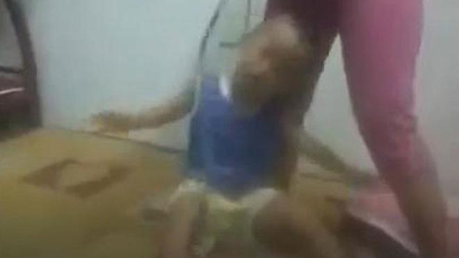 Nhân thân khó ngờ của người mẹ buộc cổ con rồi kéo lê ở Bình Dương - Ảnh 2.