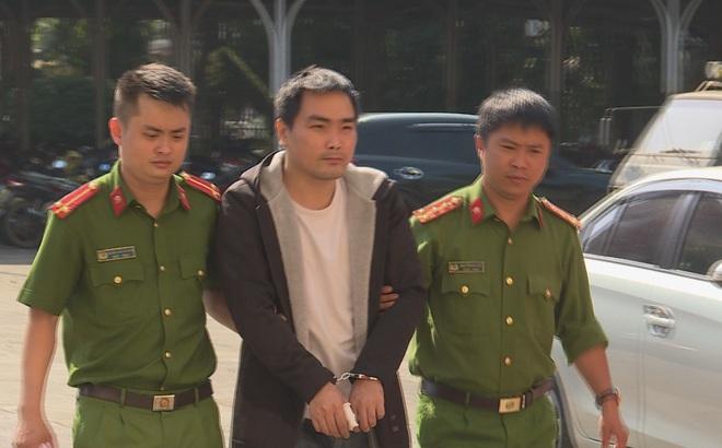 Tạm giam nam thanh niên ghen tuông, giả làm tài xế Grab đâm mẹ bạn gái để trả thù
