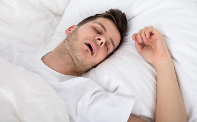 Ngủ dậy toàn thân mệt mỏi, thiếu năng lượng chỉ muốn ngủ tiếp: 6 lý do bạn nên xem lại