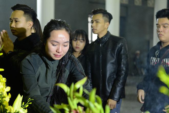 Đám tang đẫm nước mắt nghệ sĩ ưu tú Vũ Mạnh Dũng bị anh vợ sát hại - Ảnh 7.