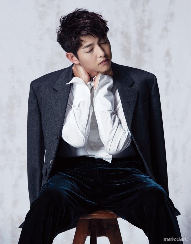 """Hai chàng Đại úy đi qua cuộc đời Song Hye Kyo: Đều giàu có và điển trai nhất nhì showbiz nhưng Hyun Bin lại """"ghi điểm"""" hơn Song Joong Ki ở điểm này? - ảnh 9"""
