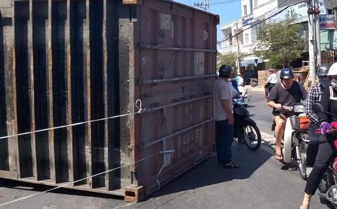 Container đâm hàng loạt xe máy, nhiều người thoát chết trong gang tấc ở Bà Rịa – Vũng Tàu