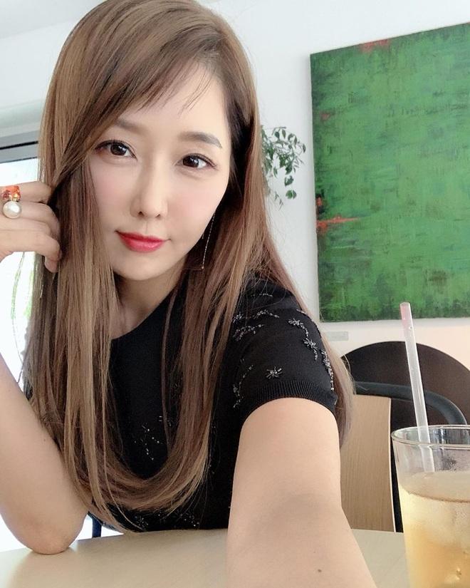 3 cặp mẹ con châu Á trẻ đẹp khiến ai cũng nhầm là chị em, đại diện Việt Nam là nhân vật sừng sỏ nổi tiếng mạng xã hội - ảnh 18