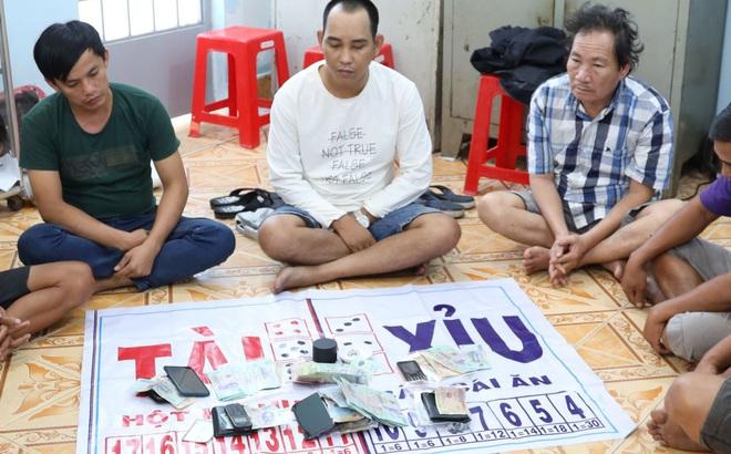 Nhóm thanh niên mở sòng bạc di động ở đám tang để không mất tiền xâu, né công an ở Tây Ninh