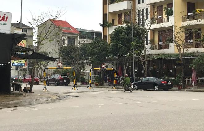 Doanh nghiệp tự ý dựng rào chắn đường vào khu đô thị, dân lo xe cứu hỏa không thể vào chữa cháy - Ảnh 8.