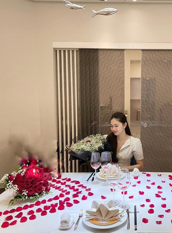 Cận cảnh biệt thự hoành tráng của Á hậu Thanh Tú và chồng đại gia điện máy - Ảnh 8.