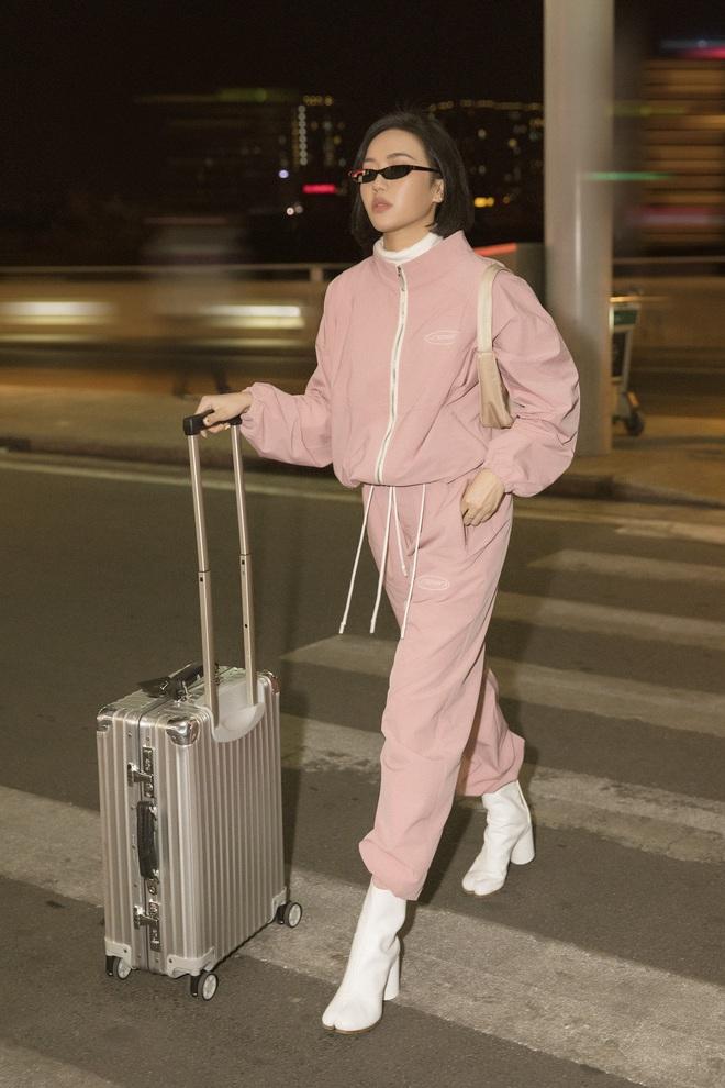 Diệu Nhi khoe gu ăn vận thời thượng khi xuất hiện tại sân bay - Ảnh 1.