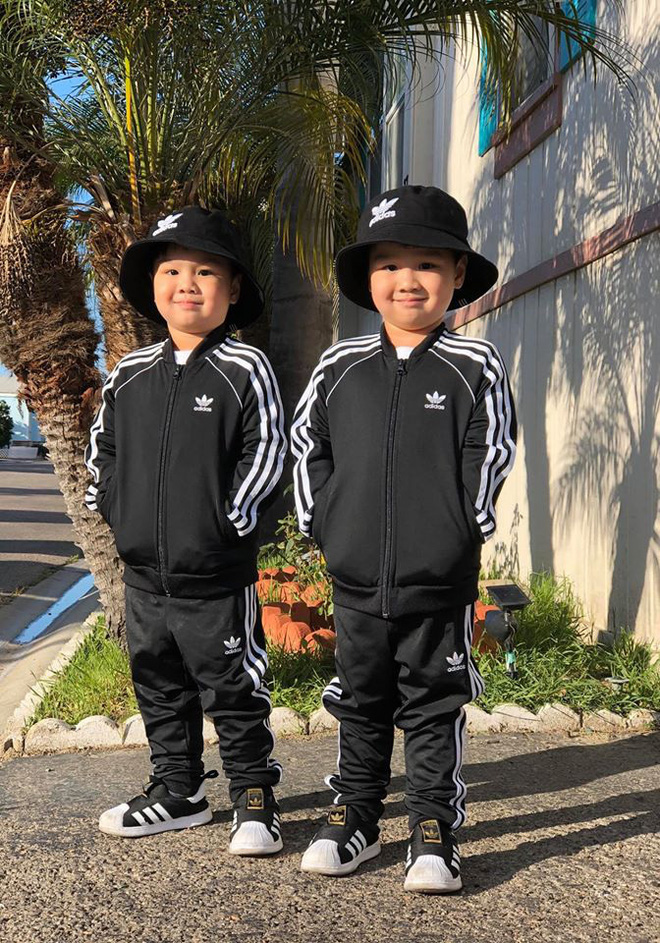 3 cặp sinh đôi nhà sao Việt nổi như cồn trên mạng xã hội: Bé con lai đã lớn phổng phao như thiếu nữ, bé cùng bố mẹ sống đầy trải nghiệm nơi trời Tây - Ảnh 5.