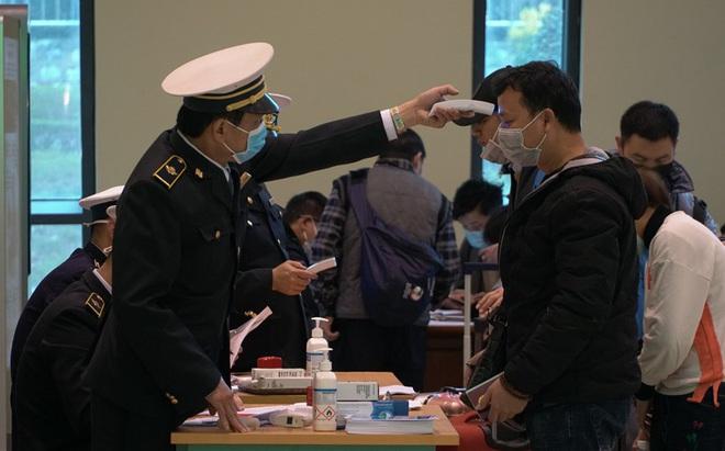 Tạm dừng nhập cảnh Việt Nam với người đến, đi qua vùng có dịch Covid-19 của Hàn Quốc
