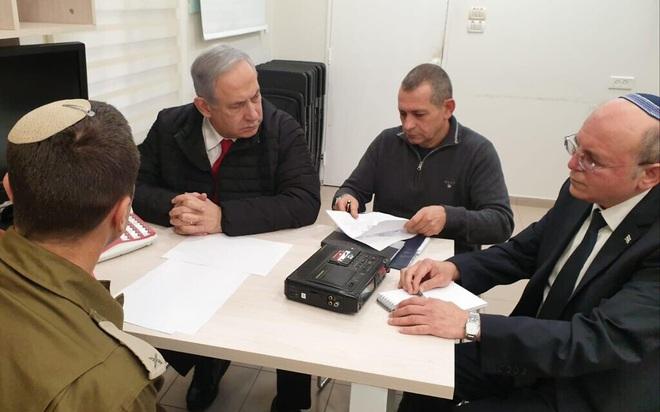 Israel bị tấn công, báo động Đỏ - TTg Netanyahu họp khẩn, Gaza sắp rực lửa chiến tranh? - Ảnh 3.