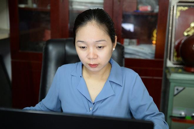 Đôi vợ chồng ở Hà Nội chi hơn 200 triệu đồng may 40.000 khẩu trang phát miễn phí - Ảnh 23.