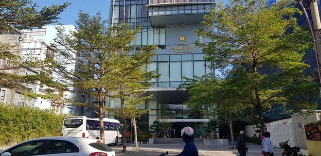 Khánh sạn lên tiếng thanh minh vụ đón 20 khách từ Daegu đến Đà Nẵng - Ảnh 1.