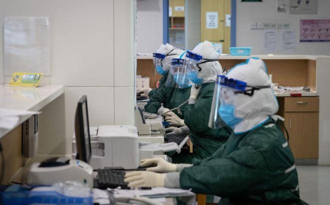 Tín hiệu tích cực: Số ca tử vong trong ngày của TQ thấp nhất trong 2 tuần, WHO nói đã qua đỉnh dịch