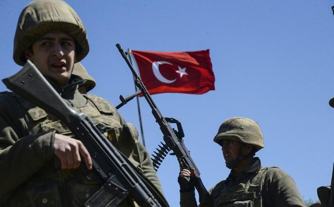 """Điểm yếu """"chết người"""" của quân Thổ ở Idlib"""