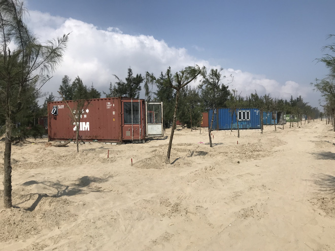 Được cho làm lều, doanh nghiệp tự ý đổ bê tông dựng cả trăm nhà bằng container trong rừng? - Ảnh 3.