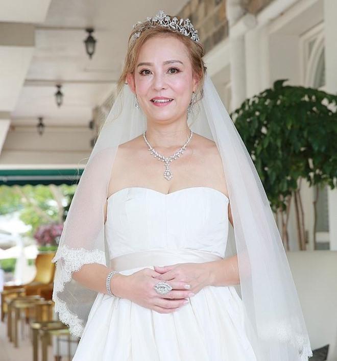 Chuyện Tiểu Long Nữ gốc Việt ở tuổi U60 vẫn được làm dâu nhà tỷ phú khét tiếng Hong Kong - Ảnh 8.