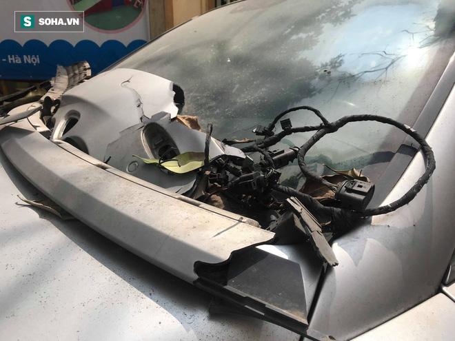 """Cận cảnh siêu xe Bentley Continental bị chủ nhân """"bỏ hoang"""" tới rỉ sét tại Hà Nội - Ảnh 3."""