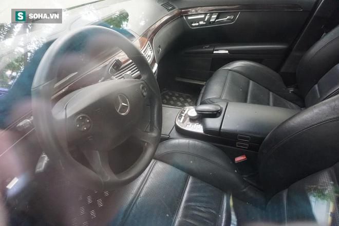 """Cận cảnh siêu xe Bentley Continental bị chủ nhân """"bỏ hoang"""" tới rỉ sét tại Hà Nội - Ảnh 16."""