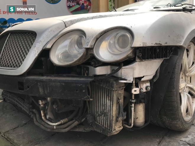 """Cận cảnh siêu xe Bentley Continental bị chủ nhân """"bỏ hoang"""" tới rỉ sét tại Hà Nội - Ảnh 4."""