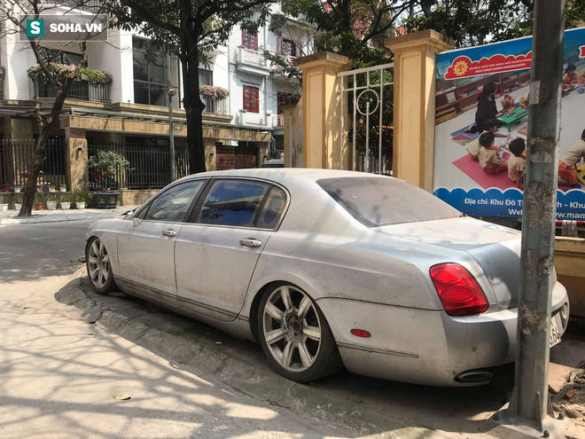 """Cận cảnh siêu xe Bentley Continental bị chủ nhân """"bỏ hoang"""" tới rỉ sét tại Hà Nội - Ảnh 2."""