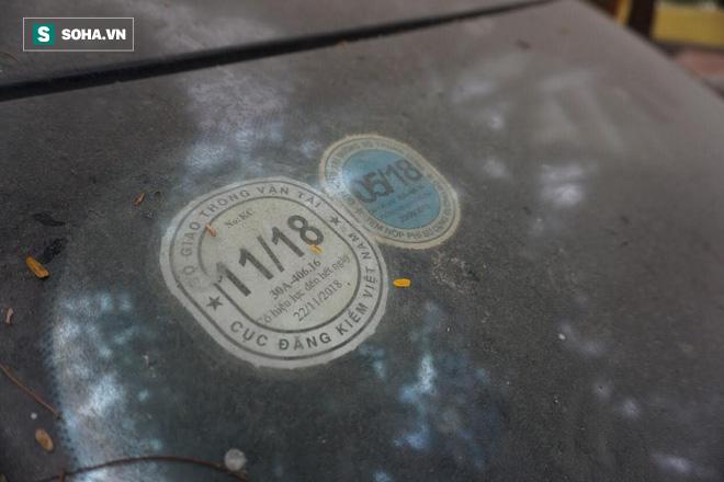 """Cận cảnh siêu xe Bentley Continental bị chủ nhân """"bỏ hoang"""" tới rỉ sét tại Hà Nội - Ảnh 12."""