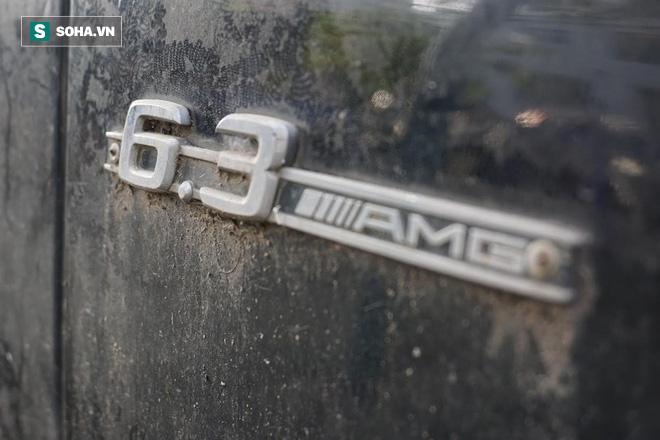 """Cận cảnh siêu xe Bentley Continental bị chủ nhân """"bỏ hoang"""" tới rỉ sét tại Hà Nội - Ảnh 11."""