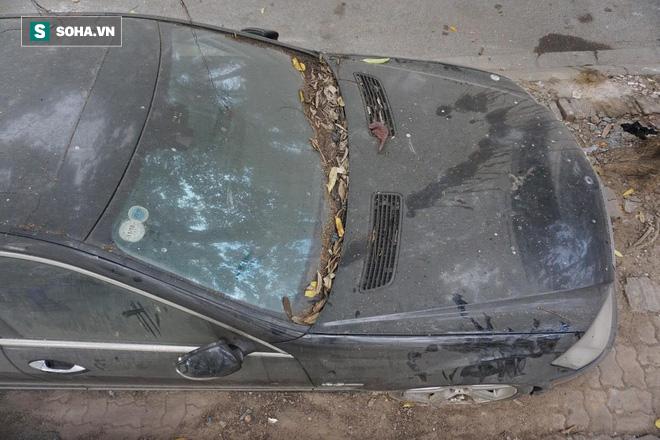 """Cận cảnh siêu xe Bentley Continental bị chủ nhân """"bỏ hoang"""" tới rỉ sét tại Hà Nội - Ảnh 13."""