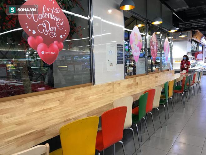 Cảnh khác lạ phía trong các khu mua sắm, ăn uống Hàn Quốc ở Hà Nội mùa dịch Covid-19 - Ảnh 5.
