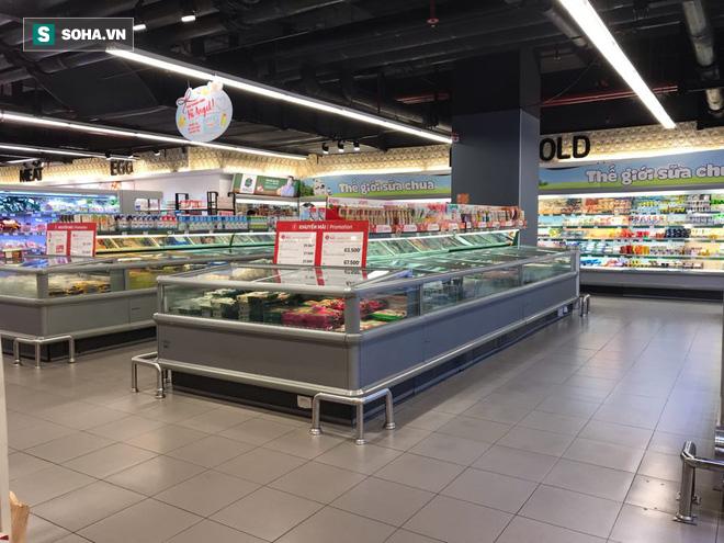 Cảnh khác lạ phía trong các khu mua sắm, ăn uống Hàn Quốc ở Hà Nội mùa dịch Covid-19 - Ảnh 3.