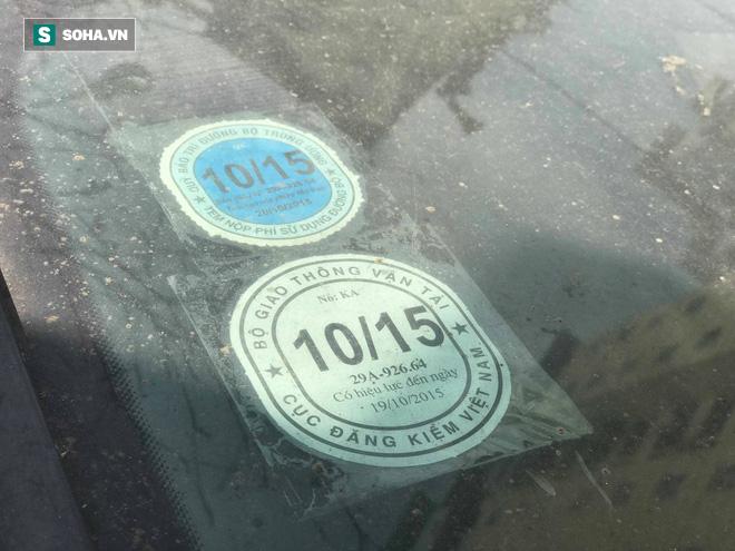 """Cận cảnh siêu xe Bentley Continental bị chủ nhân """"bỏ hoang"""" tới rỉ sét tại Hà Nội - Ảnh 7."""