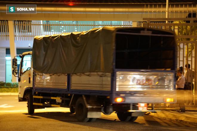 [Ảnh] Đoàn khách Hàn Quốc rời Đà Nẵng, trở về Seoul lúc nửa đêm - Ảnh 4.