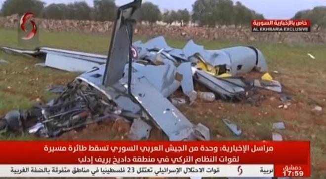 Tiêm kích Su-35 Nga thẳng tay truy sát máy bay Thổ Nhĩ Kỳ, 1 UAV tan xác ở Syria? - Ảnh 1.