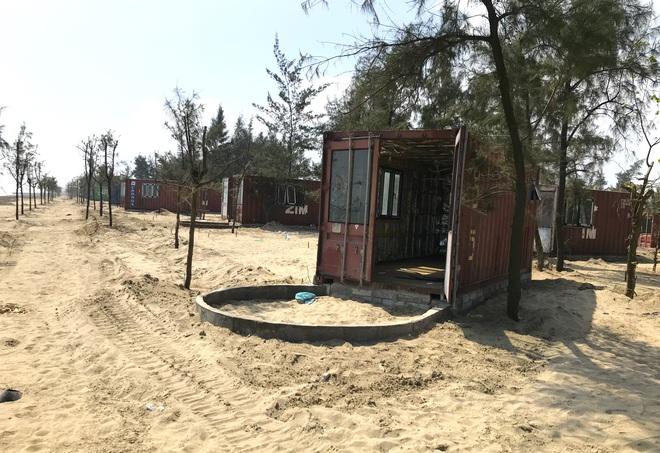 Cận cảnh cả trăm nhà bằng container trái phép trong rừng phòng hộ ven biển Xuân Thành - Ảnh 6.
