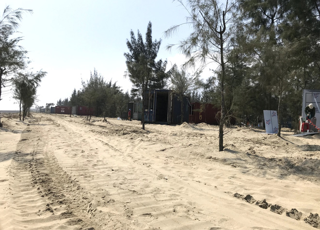 Cận cảnh cả trăm nhà bằng container trái phép trong rừng phòng hộ ven biển Xuân Thành - Ảnh 7.