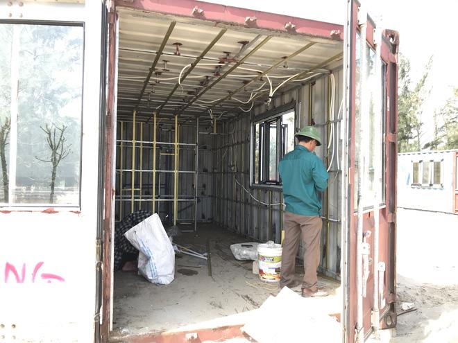 Cận cảnh cả trăm nhà bằng container trái phép trong rừng phòng hộ ven biển Xuân Thành - Ảnh 16.
