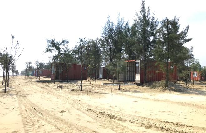 Cận cảnh cả trăm nhà bằng container trái phép trong rừng phòng hộ ven biển Xuân Thành - Ảnh 4.