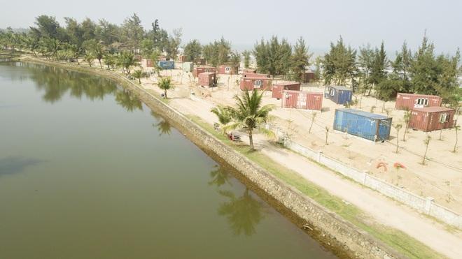 Cận cảnh cả trăm nhà bằng container trái phép trong rừng phòng hộ ven biển Xuân Thành - Ảnh 2.