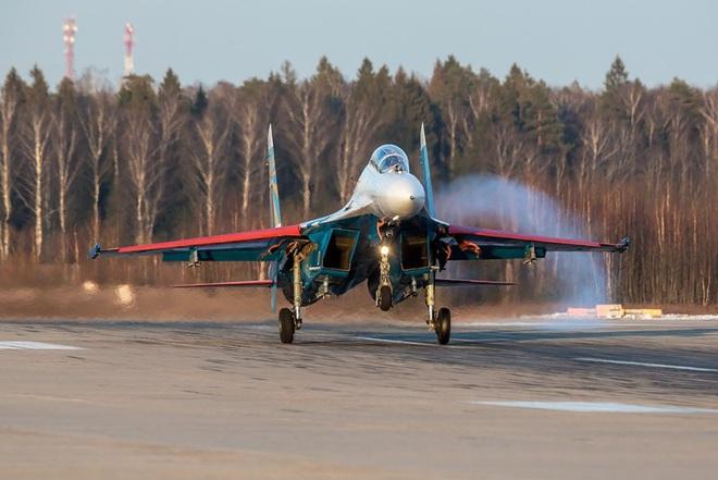 Mãn nhãn với khả năng tác chiến của vua chiến trường Syria Su-35S - Ảnh 6.