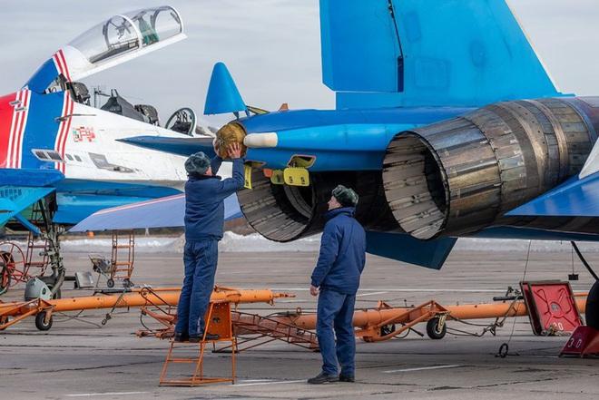 Mãn nhãn với khả năng tác chiến của vua chiến trường Syria Su-35S - Ảnh 8.