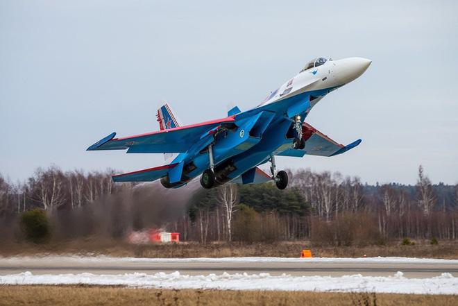 Mãn nhãn với khả năng tác chiến của vua chiến trường Syria Su-35S - Ảnh 9.