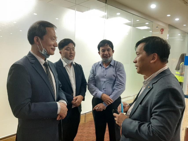 Tổng lãnh sự Hàn Quốc Ahn Minsik gửi lời cảm ơn Chính phủ Việt Nam vì đã hỗ trợ công dân về nước an toàn - Ảnh 2.