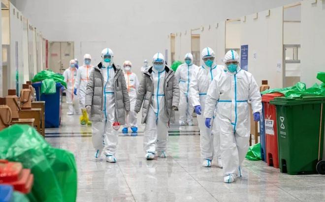 [VIDEO] Quy trình nghiêm ngặt bảo vệ đội ngũ y tế tại bệnh viện điều trị COVID-19 ở Vũ Hán