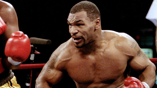 Mike Tyson: Huyền thoại sa cơ, ăn chơi trác táng và cú sốc mất con gái đau đớn - Ảnh 2.