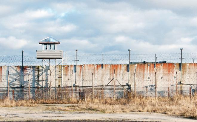 Mẹ tôi đã hack một nhà tù như thế nào