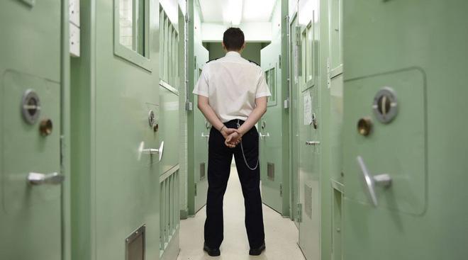 Mẹ của tôi đã hack một nhà tù như thế nào! - Ảnh 2.