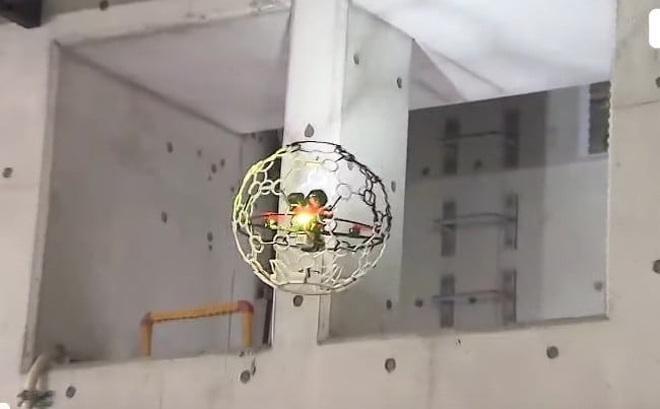 Thiết bị bay không người lái có hình dạng kỳ lạ này đang bay bên dưới mặt đất ở Nhật Bản
