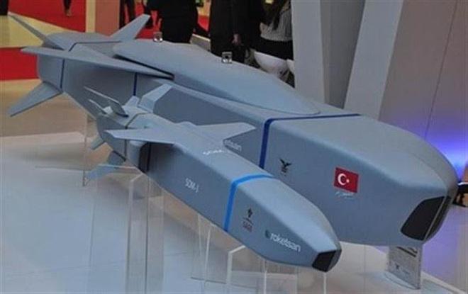[ẢNH] Dùng siêu tên lửa SOM-J, Thổ Nhĩ Kỳ sẽ vô hiệu hóa mạng lưới phòng không tại Syria - Ảnh 1.