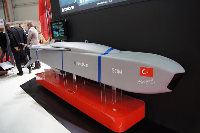 [ẢNH] Dùng siêu tên lửa SOM-J, Thổ Nhĩ Kỳ sẽ vô hiệu hóa mạng lưới phòng không tại Syria - ảnh 15