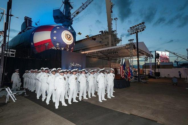 Siêu tàu ngầm hạt nhân Mỹ mới hạ thủy đã bị nước biển lột vỏ - ảnh 20